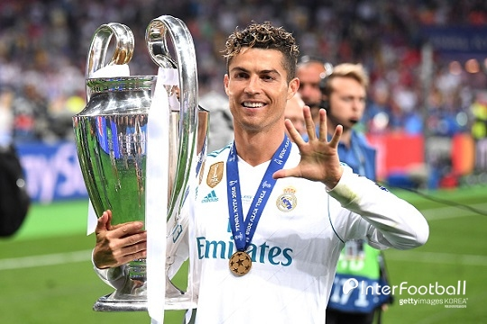 http://interfootball.heraldcorp.com/news/photo/201805/217122_220144_3137.jpg